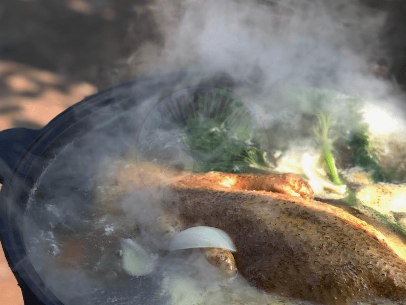 Повар на выезд блюда в казане